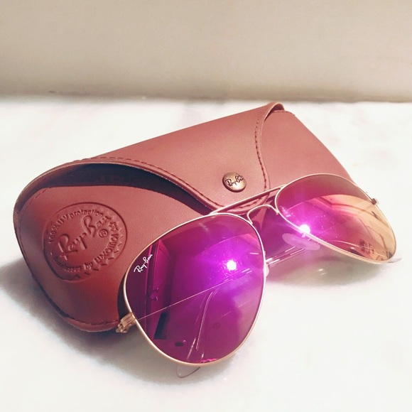 473f40061bd Ray Ban Aviator Sunglasses in Matte Gold   Pink. M 5a98081a9d20f02147259eb1